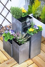 terrassenbrunnen solar abdeckung ablauf dusche. Black Bedroom Furniture Sets. Home Design Ideas
